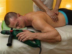 Pravidelné masáže zvyšujú pracovný výkon